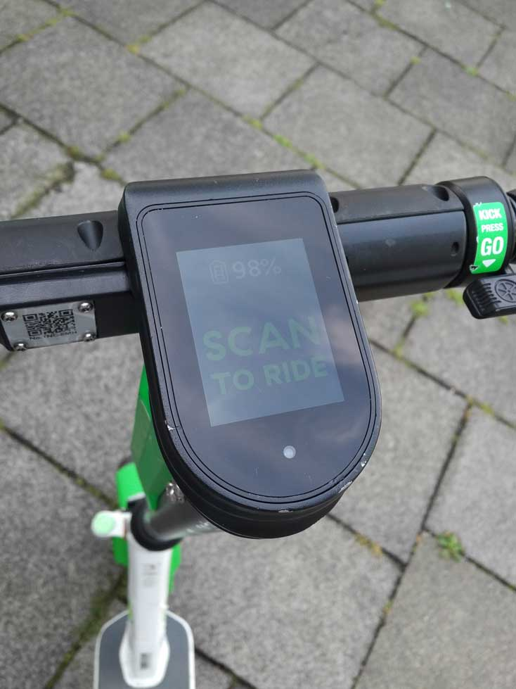 Display eines lime E-Scooter in Bonn