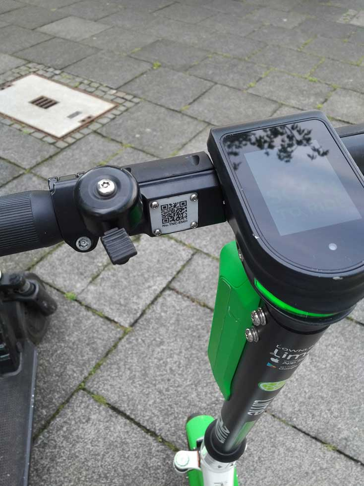 Klingel an einem lime E-Scooter in Bonn