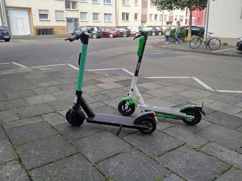 TIER und lime E-Scooter Bonn