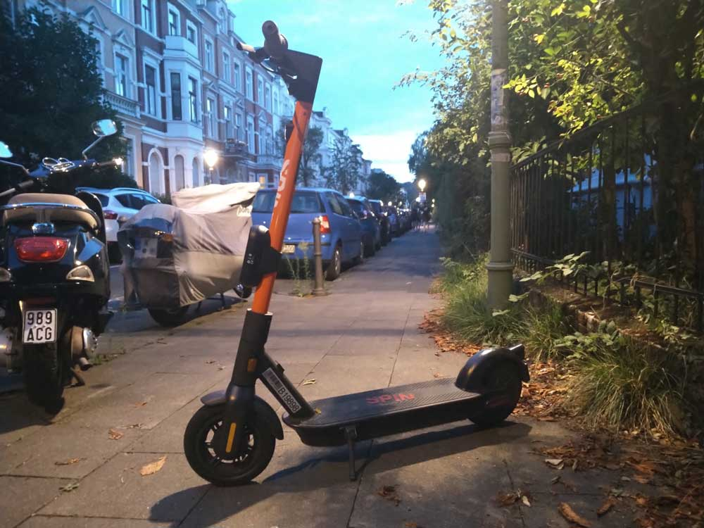 Ein Spin E-Scooter in Bonn